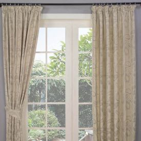 """Cream Jacquard Curtain Traditional Paisley Design Fully Lined - 66"""" X 54"""" Drop"""